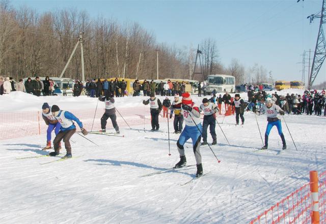 На старт сергиевской лыжни 2011 вышли